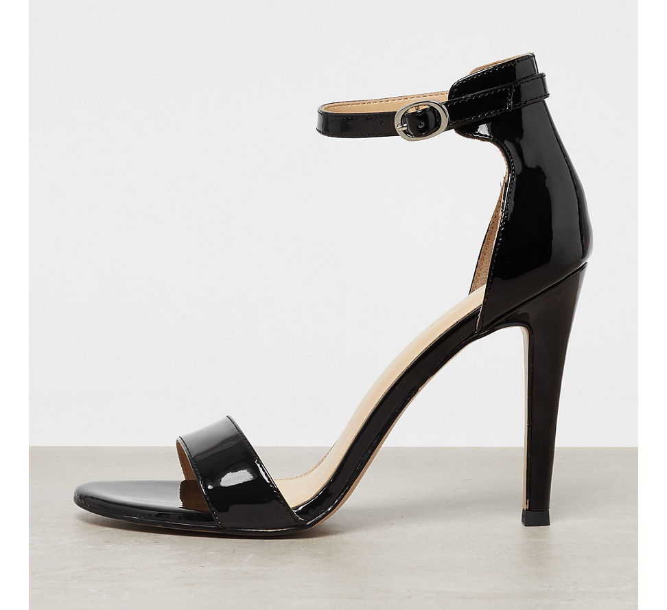 sandalette von catwalk in schwarz. Black Bedroom Furniture Sets. Home Design Ideas