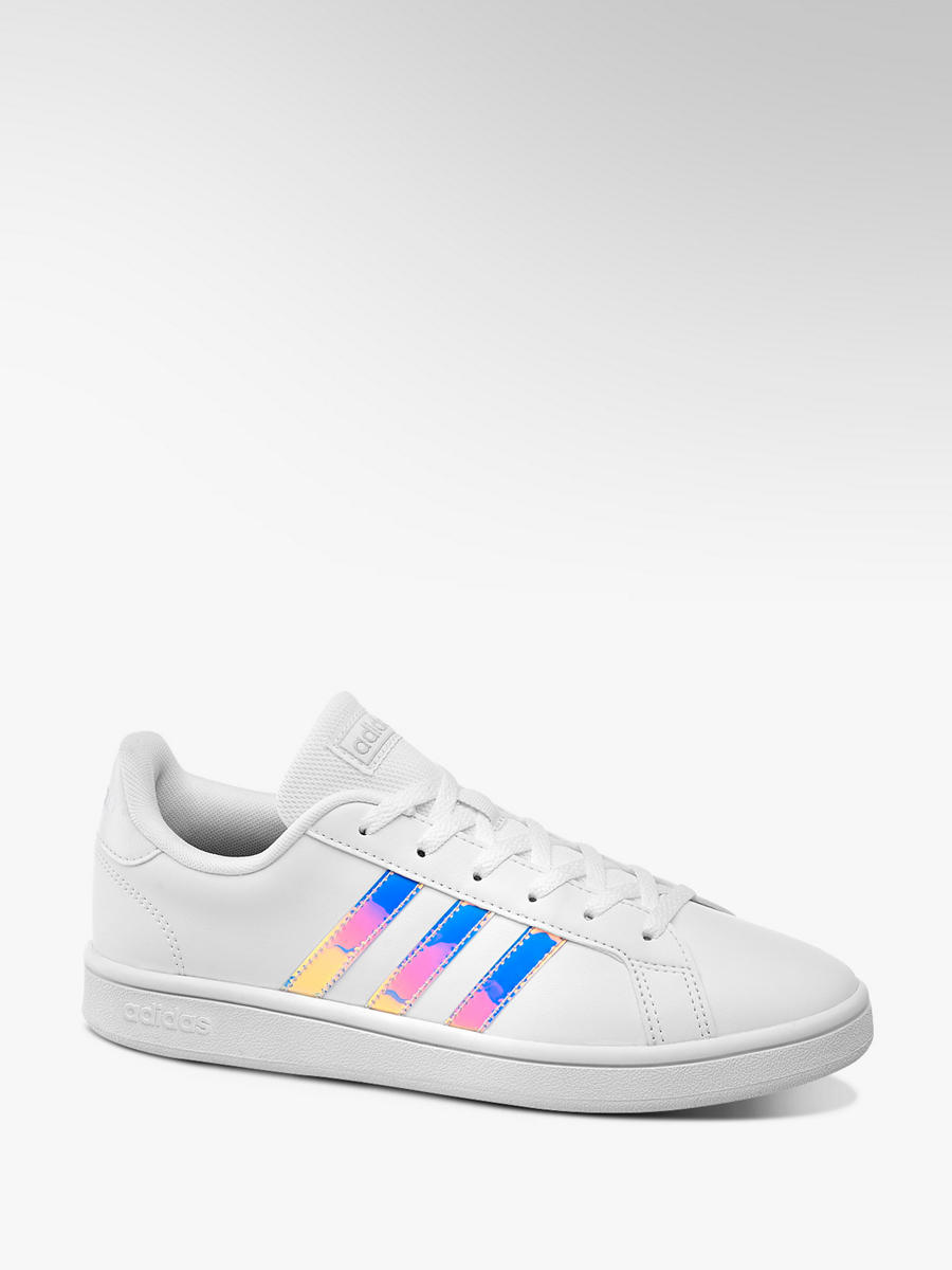 Sneaker GRAND COURT BASE SHINY HOLOGRAPHIC von adidas in