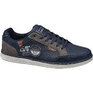 Blauwe sneaker vetersluiting