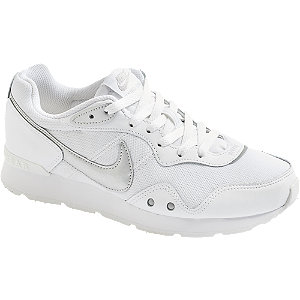 Levně Bílé tenisky Nike Venture Runner
