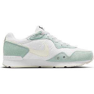 Levně Bílo-modré tenisky Nike Venture Runner
