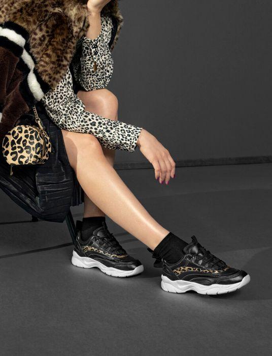 Winterproof sneakers