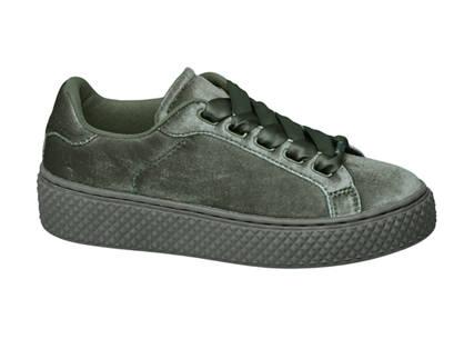 Graceland Groene velvet sneaker plateauzool