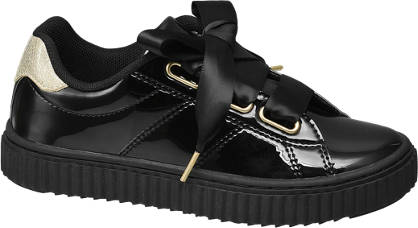 Graceland Zwarte sneaker satijnen veters