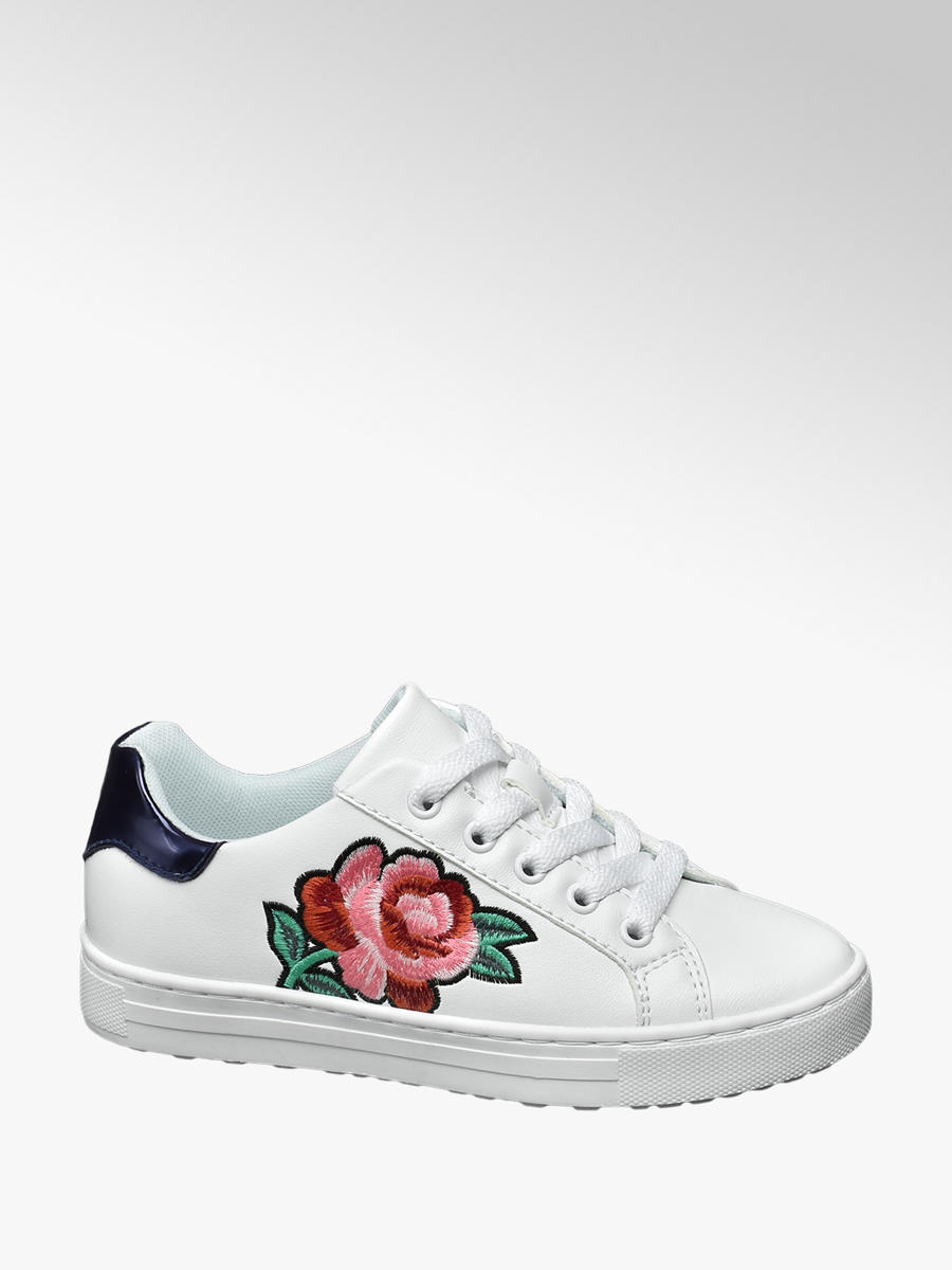 c621e9086a53 Graceland White Junior Girl Flower Embroidered Casual Shoes