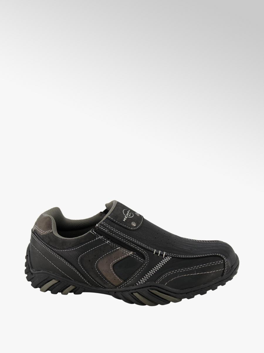 Men's black slip-on casual shoes
