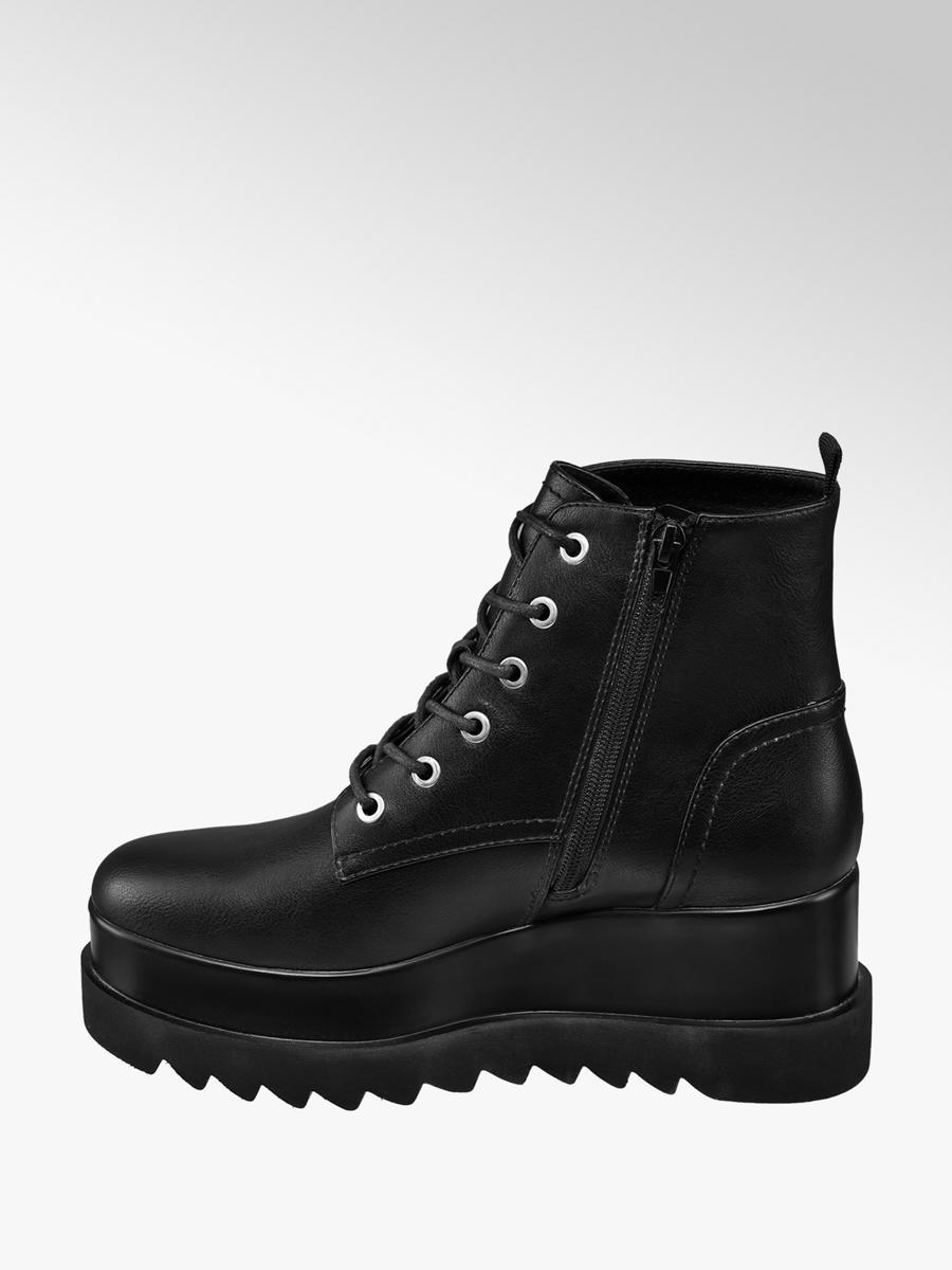 dc62d373b175 Nízke čižmy na platforme značky Graceland vo farbe čierna ...