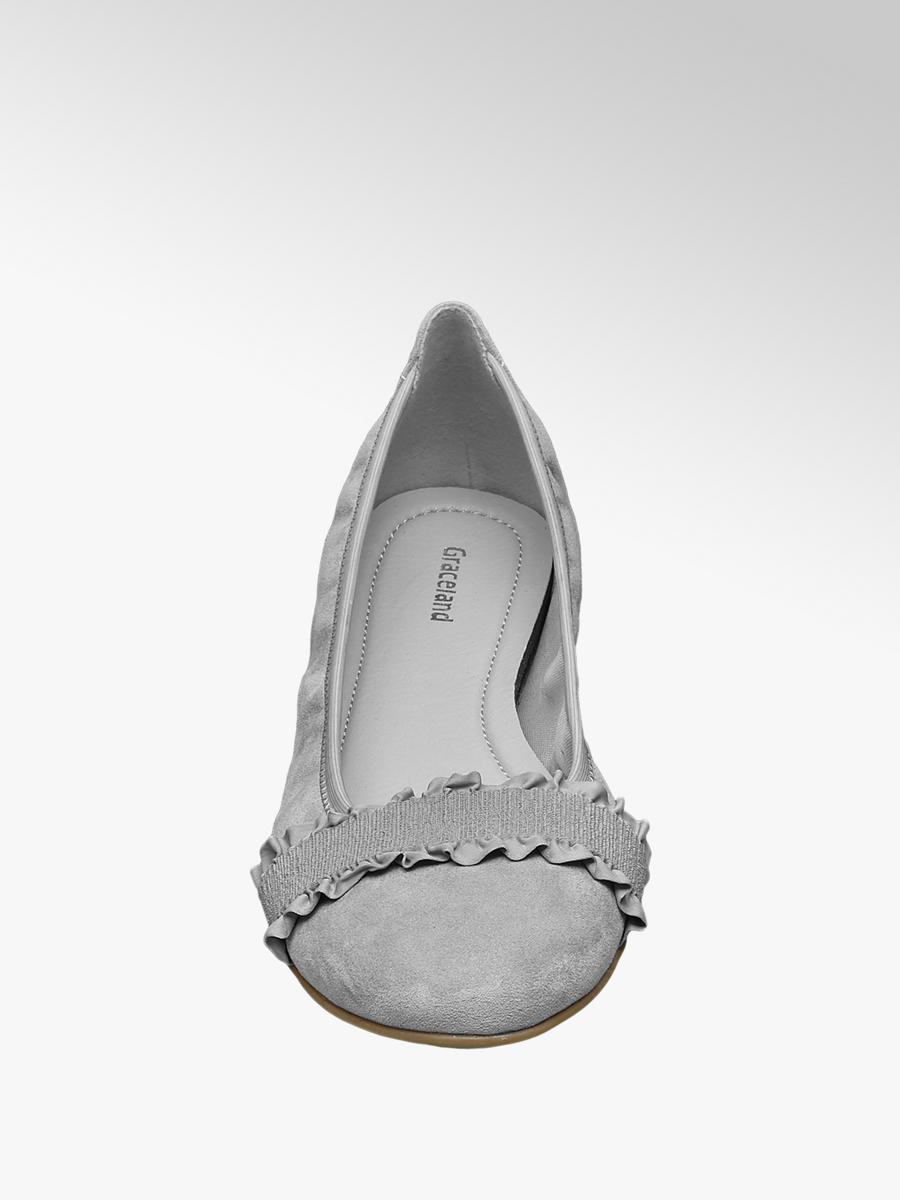 16cb39ddcf22c Treat your feet and stay on trend with these versatile Graceland ...