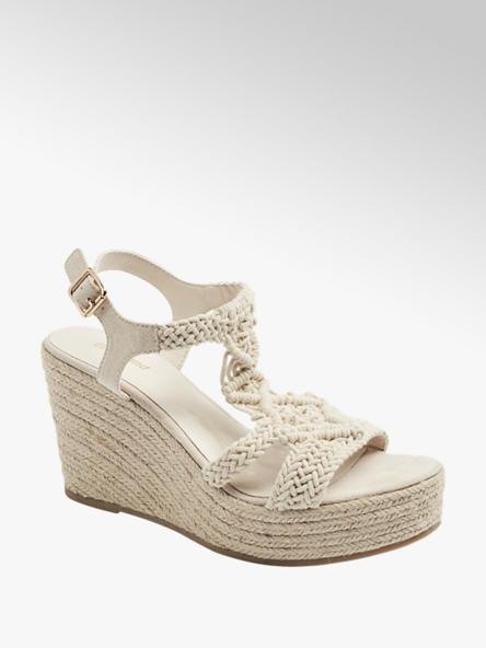 Graceland Keil Sandaletten in Beige mit Strick-Details