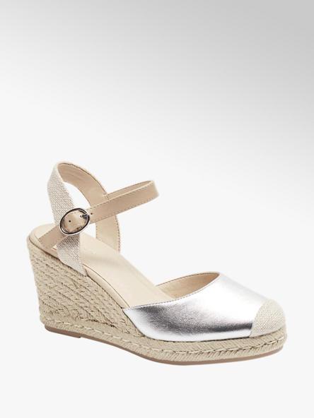 Graceland Stříbrné sandály na klínku Graceland