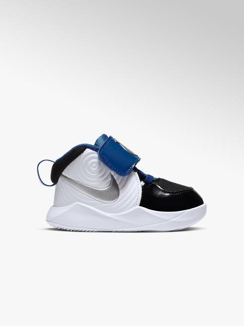 NIKE Team Hustle Sneaker