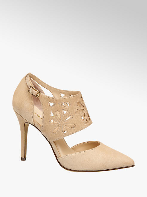 Graceland Cut Out Pumps
