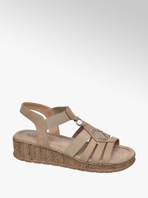 Easy Street Keil Sandalen in Beige