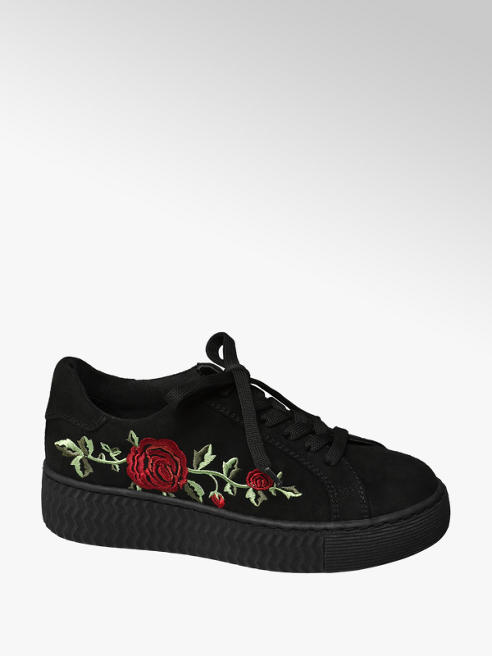 Graceland Junior Girl Black Chunky Embroidered Pumps