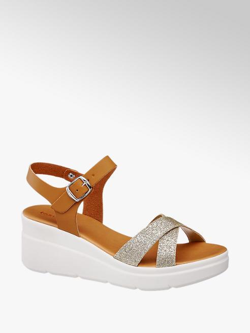 Graceland Keil Sandaletten in Braun mit Glanz Details