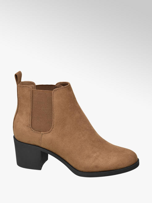 Graceland Brown Heeled Chelsea Boots