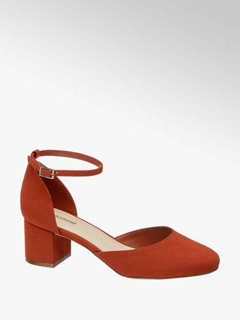 Graceland Pumps in Rot mit Fessel