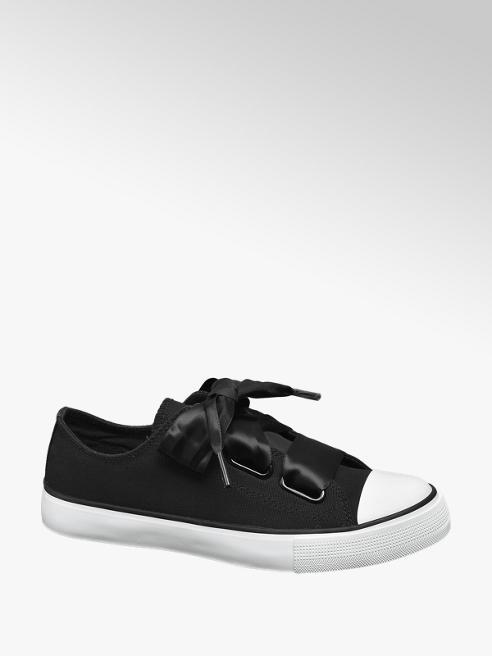 Vty Sneaker nera con lacci a nastro